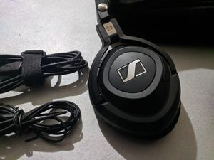Sennheiser MM 550 Bluetooth Hi-Fi Headphones Wireless Complete with case, cord and charger for Sale in Houston, TX