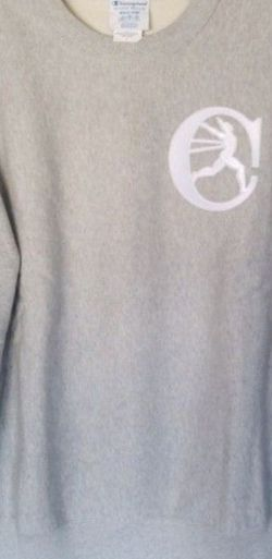 CHAMPION REVERSE WEAVE MEN'S HEAVYWEIGHT CREWNECK SWEATSHIRT SIZE MEDIUM GREY RETRO CHAMPION STITCHING ON SLEEVES BRAND NEW WITH TAGS SERIOUS BUYERS O for Sale in Bell,  CA