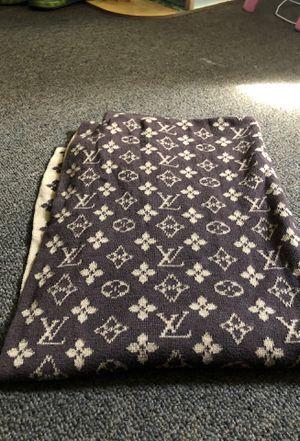 Louis Vuitton scarf ( blanket) for Sale in Whittier, CA