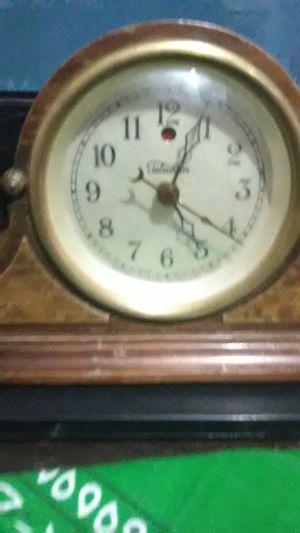 Warren telechron antique clock for Sale in Bloomington, CA