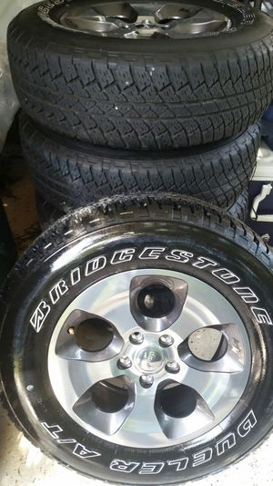 255/70R18 for Sale in Hialeah, FL