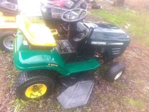 Craftsman's tractor needs battery and carb clean for Sale in Gambrills, MD