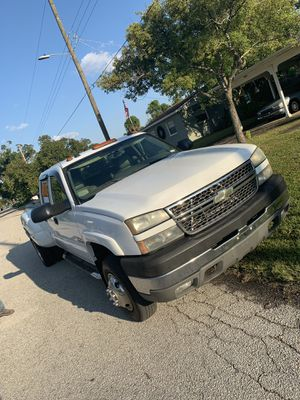 2005 Chevy Silverado 3500 for Sale in Tampa, FL