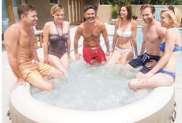 Intex 6 person portable hot tub / spa Like New!