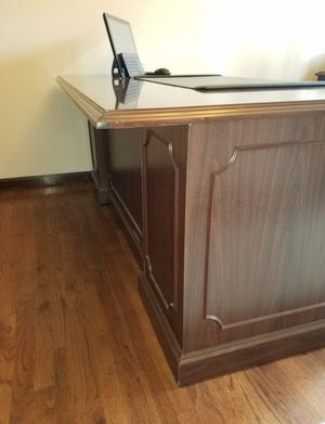 Executive Desks for Sale in Plymouth, MI