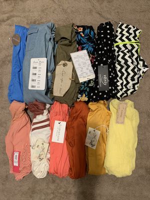 JUNIORS/WOMENS TOPS BUNDLE🌻 ALL SMALL for Sale in Bellflower, CA
