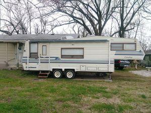 It's a 1989 Catalina Coachmen for Sale in Joplin, MO