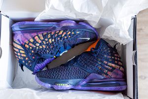 "Nike Lebron 17 ""Monstars"" Size US MEN'S 9 All Star 2020 for Sale in Beverly Hills, CA"