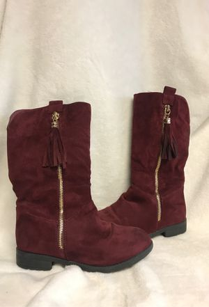 Beautiful burgundy boots girls size 13 for Sale in Bloomington, CA