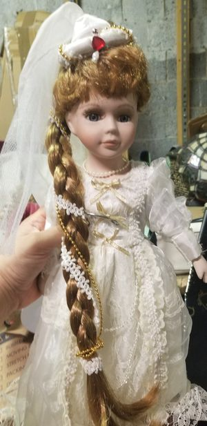 VERY NICE COLLECTION OF VINTAGE PORCELAIN DOLLS for Sale in Fairfax, VA