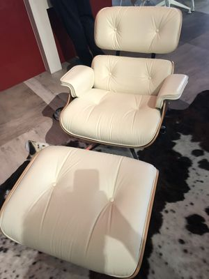 Genuine authentic Eames Lounge Chair and Ottoman for Sale in Sun City, AZ