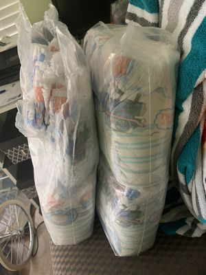 Pampers easy up. 3t-4t for Sale in Gainesville, VA