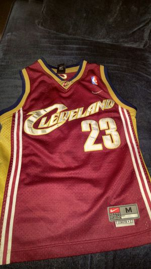 LeBron James Jersey Youth Medium for Sale in Clarksburg, MD