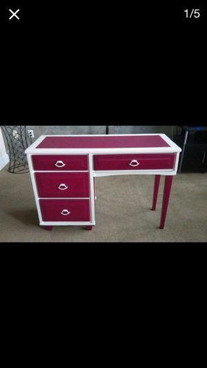 Vintage pink desk/escritorio vintage Rosa for Sale in Phoenix, AZ