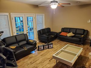 Selling Contemporary Leather Sofa Set! for Sale in Peachtree Corners, GA