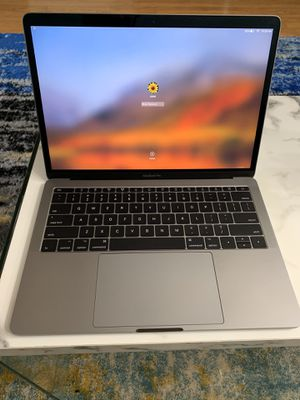 MacBook Pro 2017 13 inch for Sale in St. Louis, MO
