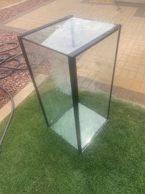 Turtle 40 gallon aquarium w/ filter, rocks, and lights for Sale in Indio, CA
