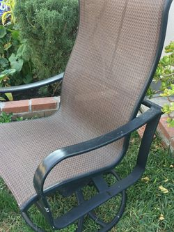 Excellent Condition Patio Chair for Sale in Los Angeles,  CA