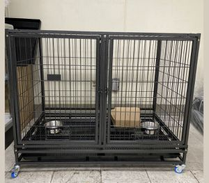 Dog pet cage kennel size 43 with divider tray and feeding bowls for Sale in Montclair, CA