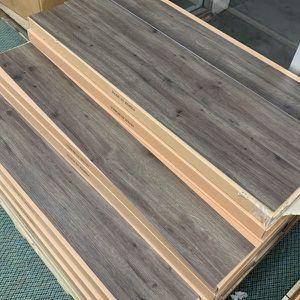 Vinyl flooring 🤩🤩🤩 SWM6 for Sale in Houston, TX