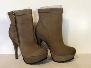 New Jessica Simpson taupe/tan high heeled platform style boot with treaded soles (size 8) for Sale in Thornton, CO
