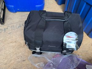 Canon digital camera gadget bag 100dg for Sale in Santa Ana, CA
