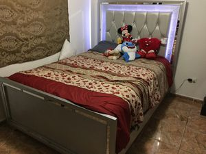 Bed for Sale in Miami, FL