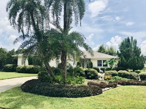 Sarasota country club neighborhood pool 🧜‍♀️ home 🏡 (1600+ sq ft) under $300k! for Sale in Sarasota, FL