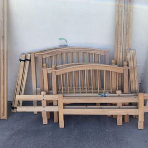 Solid Wood Bunk Bed Set for Sale in Escondido, CA
