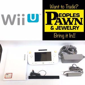 Nintendo Wii U 8GB Console w/Contoller for Sale in Pembroke Park, FL