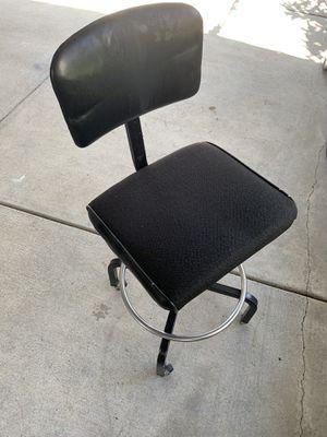 Classy desk Chair (wheels) for Sale in Oakland, CA