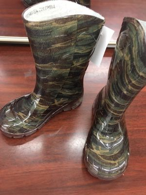 Camouflage rain boots kids size 7,8,9 and 10 for Sale in Taylors, SC