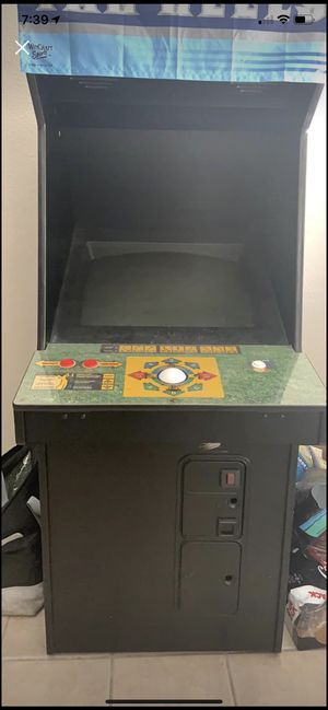 Golden Tee 2k for Sale in Orlando, FL