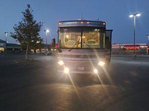 2005 Winnebago journey diesle pusher for Sale in Carmichael, CA
