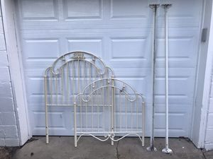 ANTIQUE TWIN BED FRAME for Sale in Cortland, OH