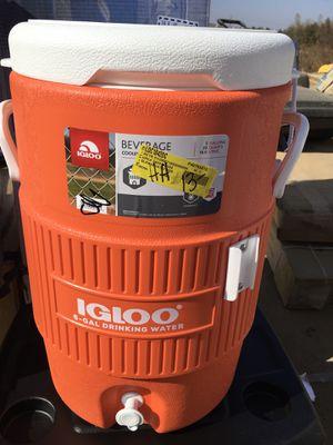 Igloo beverage cooler for Sale in Kingsburg, CA