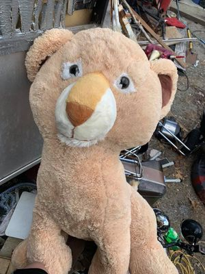 Giant Lioness Stuffed Animal for Sale in Plainfield, CT