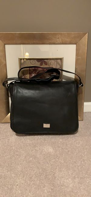 Cole Haan messenger laptop bag for Sale in Shelby Charter Township, MI