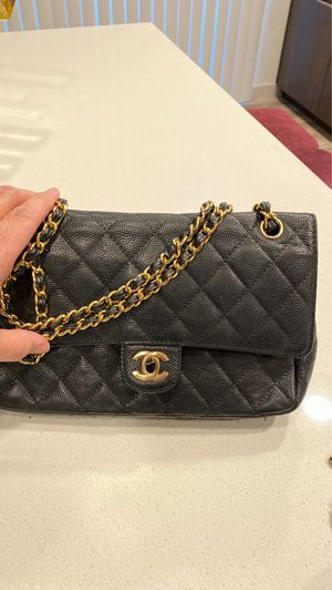 Chanel leather bag for Sale in Phoenix, AZ