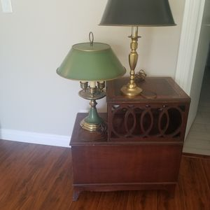 Antique side table with lamps for Sale in Fullerton, CA