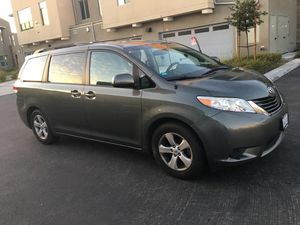 Toyota Sienna , LE , 2014 for Sale in Irvine, CA