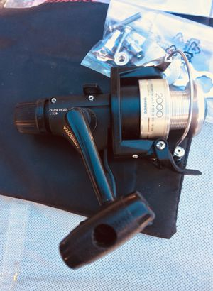 Shimano fx 2000 ra spinning reel + extra reel + accessories for Sale in Covina, CA