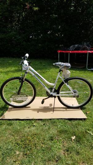 "Roadmaster Bike 26"" Granite Peak 18 Speed Mountain Bike NEW IN HAND! PICK UP ONLY for Sale in Leonia, NJ"