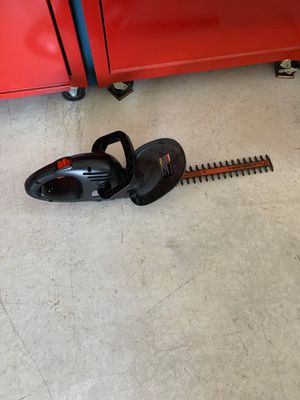 "Black and Decker corded 17"" hedge trimmer for Sale in Lewisburg, PA"