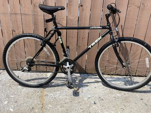 TREK ANTELOPE 820 for Sale in Chicago, IL