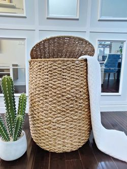 BIRDROCK HOME Seagrass Wicker Clothes Laundry Hamper with Liner for Sale in Auburn,  WA