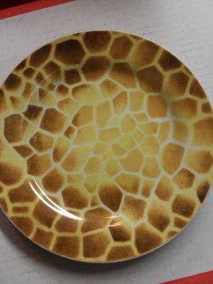 Decorative giraffe design plate for Sale in Glen Burnie, MD
