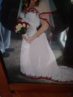 Wedding dress/Davids Bridal size 16 for Sale in East Wenatchee, WA