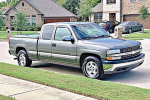 ֆ12OO 4WD CHEVY SILVERADO 4WD for Sale in Lakewood, CA