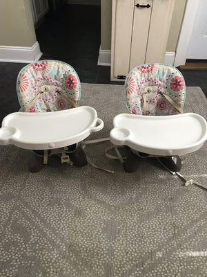 Infant/Toddler Space Saving Booster Seat for Dining (set of 2) for Sale in Parkville, MD